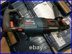Rotary Hammer 8 Amp 1 in. Corded Variable Speed SDS-Plus concrete BOSCH